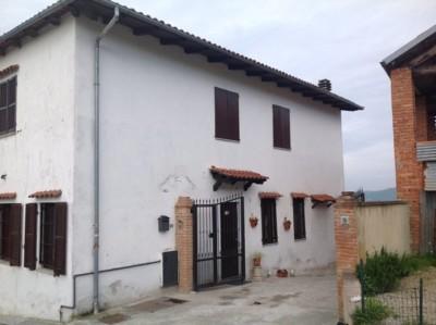 Isolamento casa. Insufflaggio muri perimetrali. Cerrina Monferrato, Alessandria.