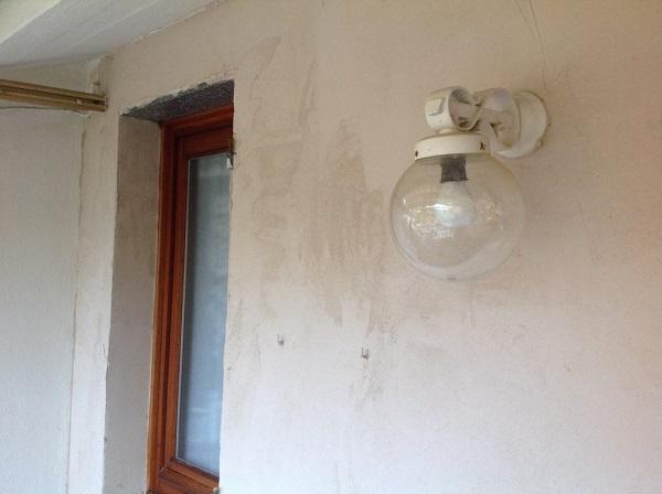 Isolamento casa. Rasatura muri perimetrali. Serra Riccò, Genova.