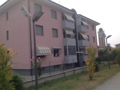 Isolamento condominio. Cappotto muri perimetrali. Cameri, Novara.