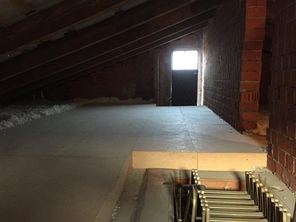Isolamento casa. Insufflaggio sotto-tetto. Casale Monferrato (AL)
