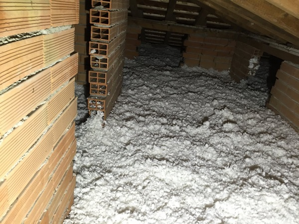 Isolamento casa. Insufflaggio tetto. Certosa di Pavia (PV)